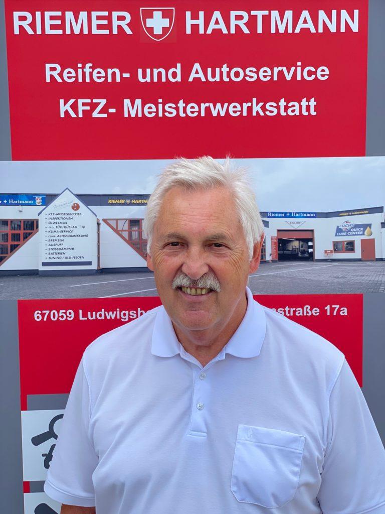 Herr Ruecker 768x1024 - Team Ludwigshafen am Rhein